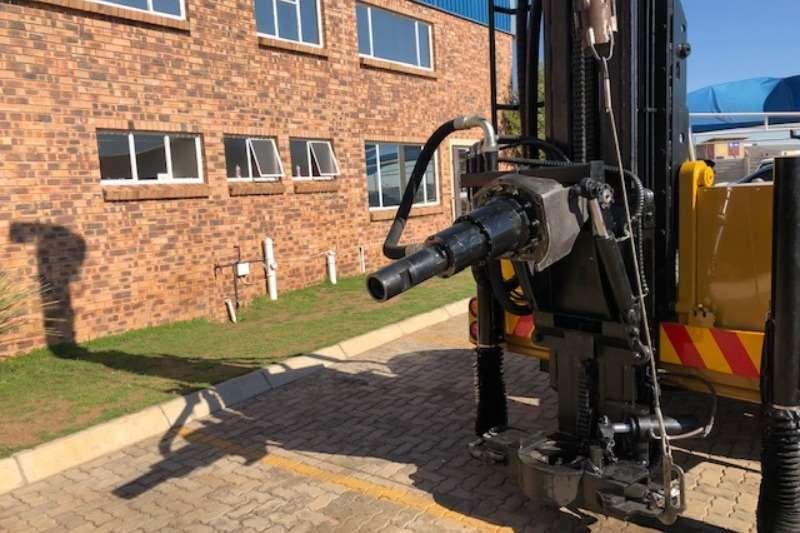 Vertex Drill rigs VERTEX CUSTOM BUILD Rigs