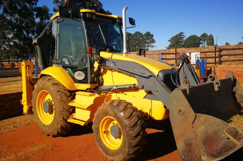 Volvo TLBs Construction BL71 (4x4) + Auger Drill