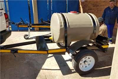 500 liter plastic trailer Water tankers