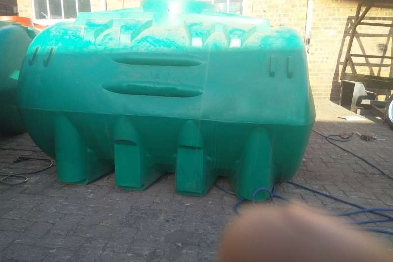 Water tankers 5000 liter plastic trailer 2019