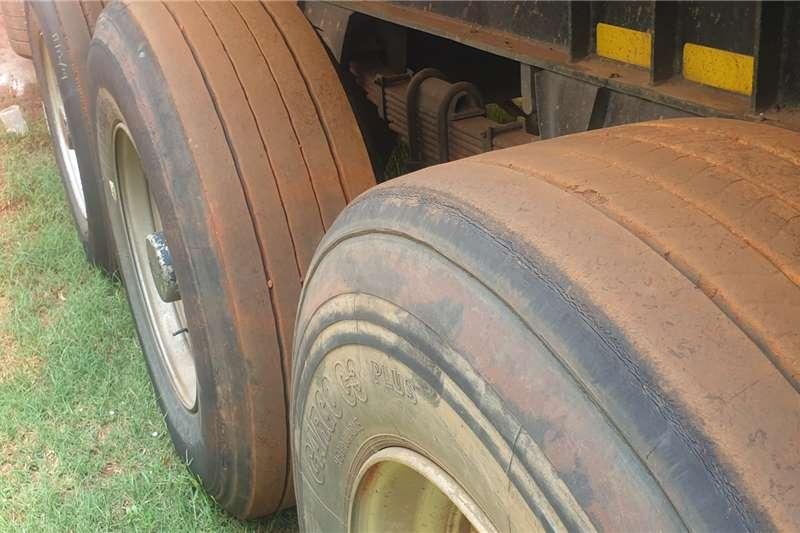2011 Afrit  2011 Afrit Van Body Tri Axle trailer