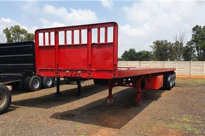 Afrit Flat deck 14m tri axle + container locks + pole pockets Trailers