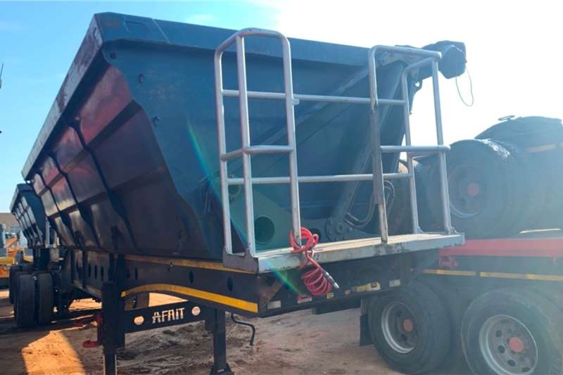 Afrit Trailers Interlink SIDE TIP 2015