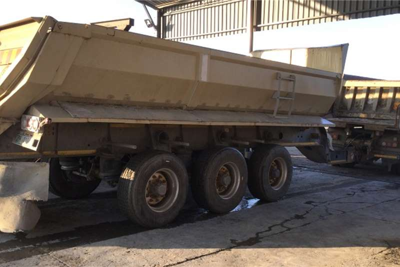 Afrit Trailers Pup trailers 3xAxle15CubPup Trailer 2018