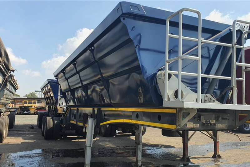 Afrit Trailers Side tipper 40cube 2018
