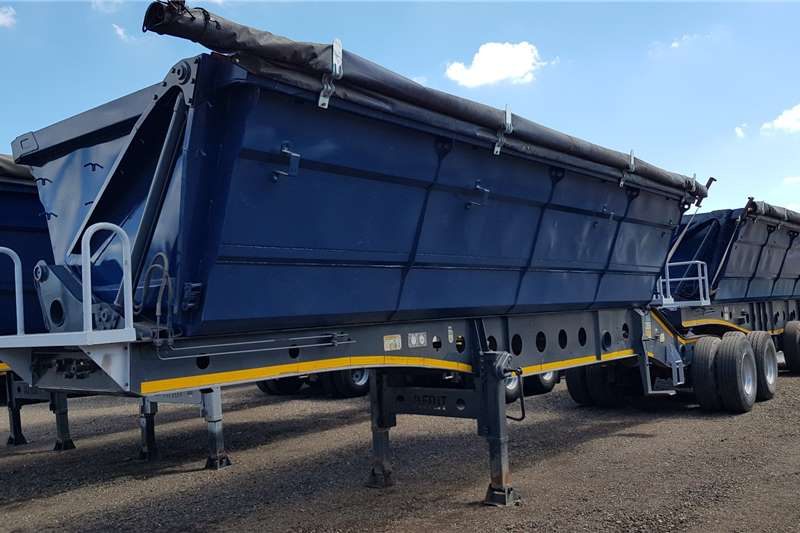 Afrit Trailers Side tipper Afrit Refurbished 40cube Interlink Sidetipper 2013
