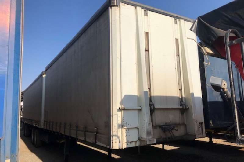Afrit Trailers Tautliner Interlink with Lifting Roof Tautliner 2012