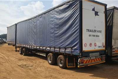 Afrit Tautliner Superlink 6 x 12 meter Trailers