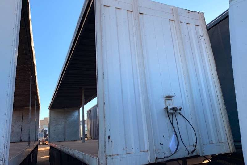 Afrit Trailers Tautliner TRI AXLE 2004