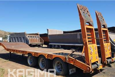 Afrit Tri Axle Step Deck Lowbed with Ramps Trailers