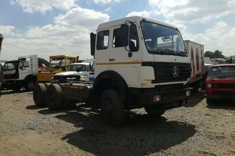 AMC Chassis cab trucks Powerstar 2642 Truck Tractor 6x4 with Hydraulics 2013