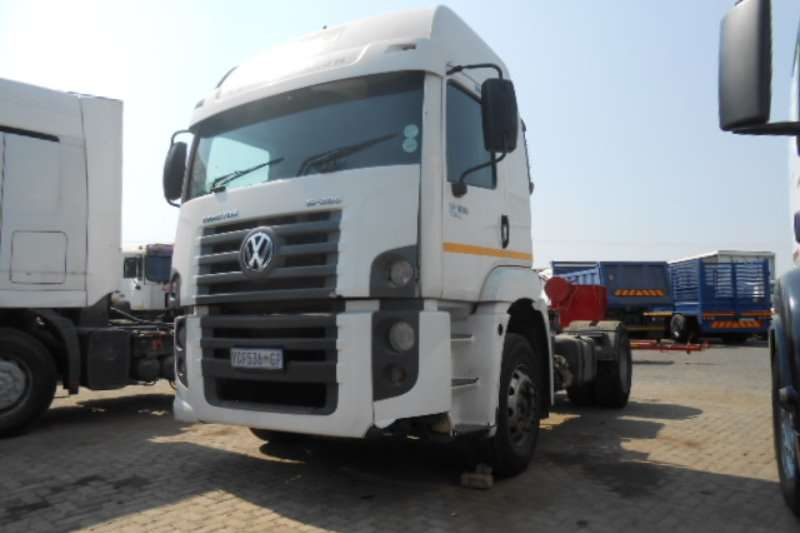 AMC Truck-Tractor Single axle CONSTALATION 2009