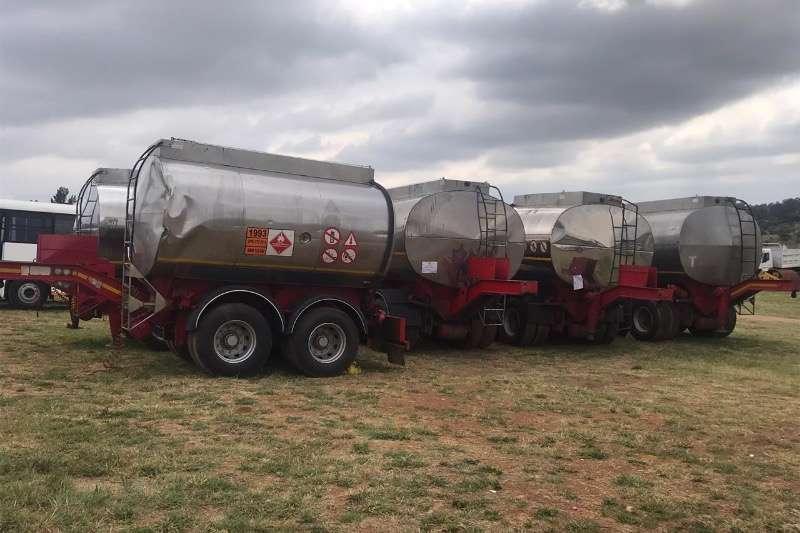 Bitumen Diesel tanker TANK CLINIC DOUBLE AXLE