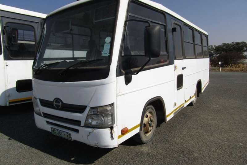 Buses 26 seater Hino 25 Seater Bus 2013