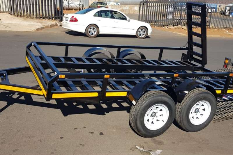 Car trailer/Bob cat Car trailer