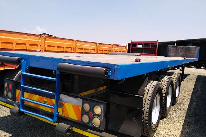 CTS Trailers CTS FLAT DECK TRI AXLE TRAILER 2006