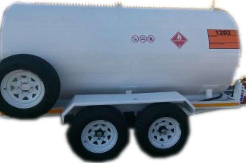 2021 Custom  5000 Liter Metal Fuel Tanker