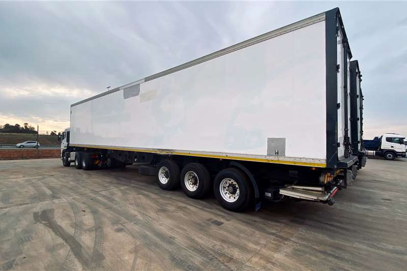 Custom X 4 ICE COLD bodies 15m TRI AXLE FRIDGE TRAILER Advertise trailer