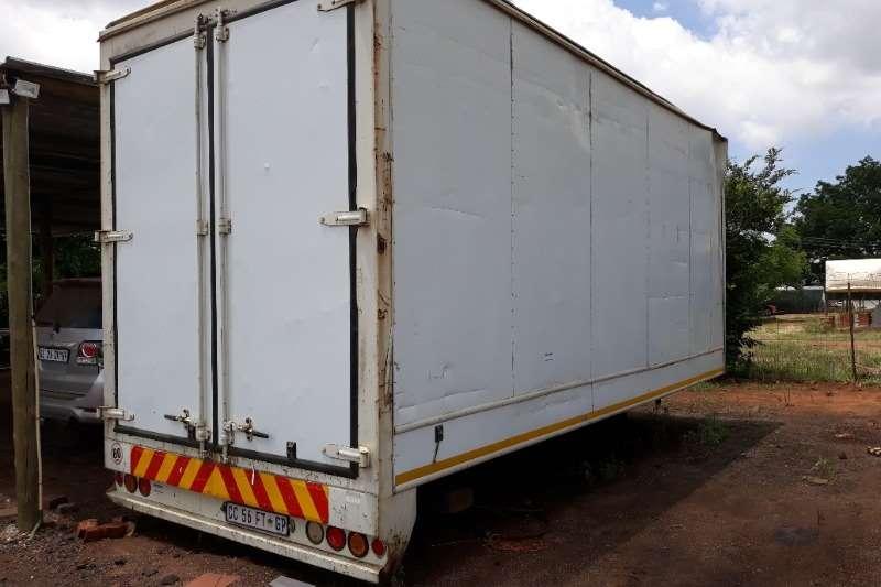 Custom Box trailer BOX BODY TRAILER 8 TON CLOSED