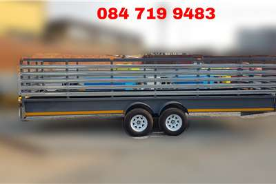 Custom Cattle Trailer Cattle trailer