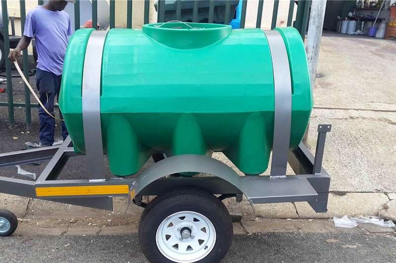 Custom Diesel bowser trailer 1000 liter plastic diesel bowser trailer 2020