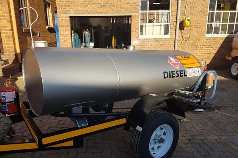 Custom Diesel bowser trailer 1500D Mild Steel Diesel Tanker 2019