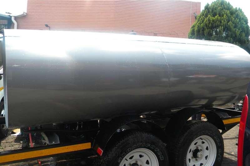 Custom Diesel bowser trailer 5000 liter diesel bowser trailer 2020