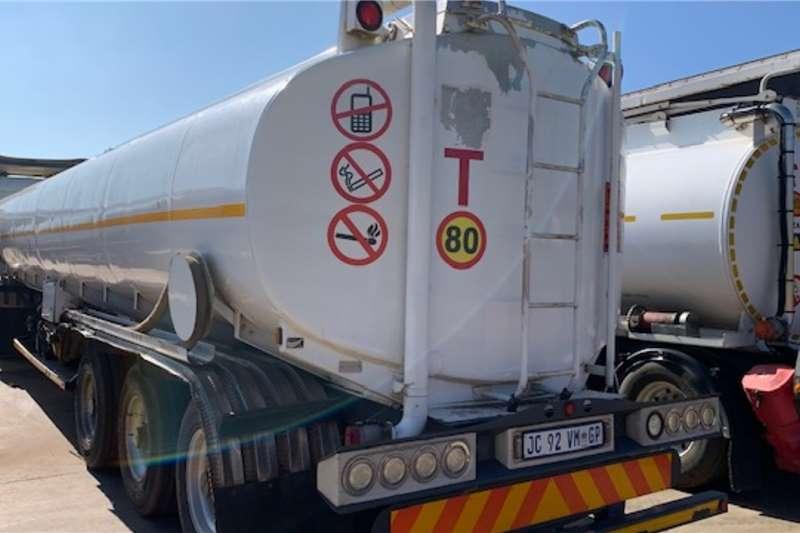 Custom Diesel tanker ROUTE MANAGEMENT 45,500 L FUEL TANKER WITH PUMPS 2006