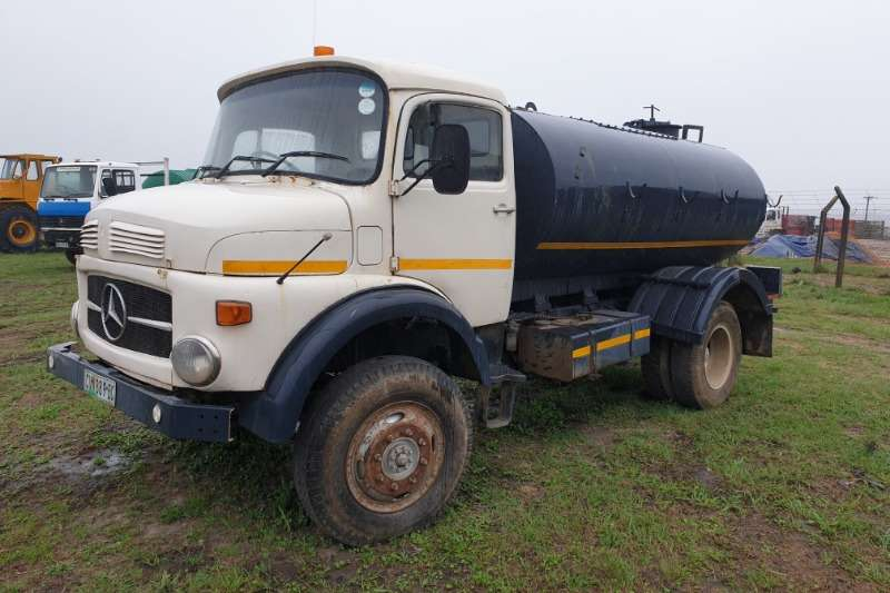 Custom Fuel Bowsers 1113 4x4 merc bowser 1976