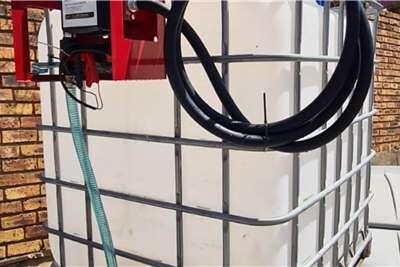 Custom 1000 Litre Plastic Flow Bin Cube Trailers