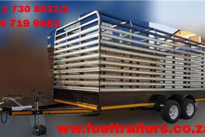 Custom Cattle & Livestock Trailer Trailers