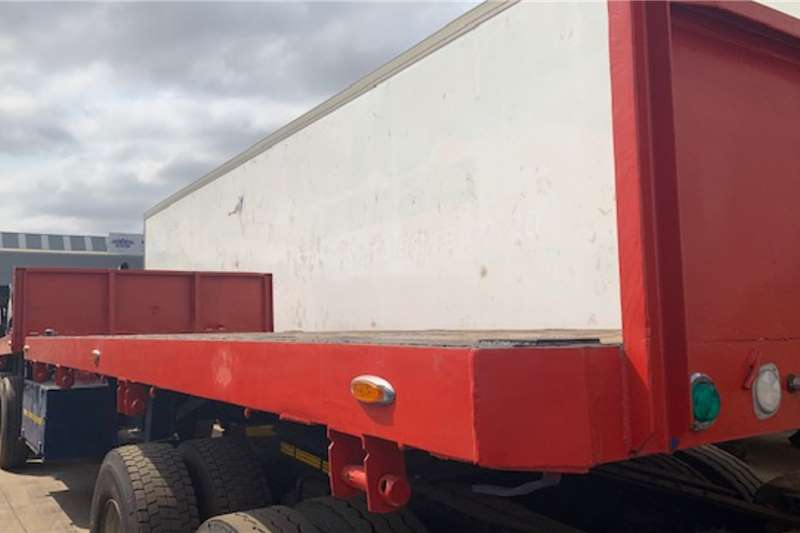 Custom SUPER LINK TRAILER WITH TWIST LOCKS Trailers