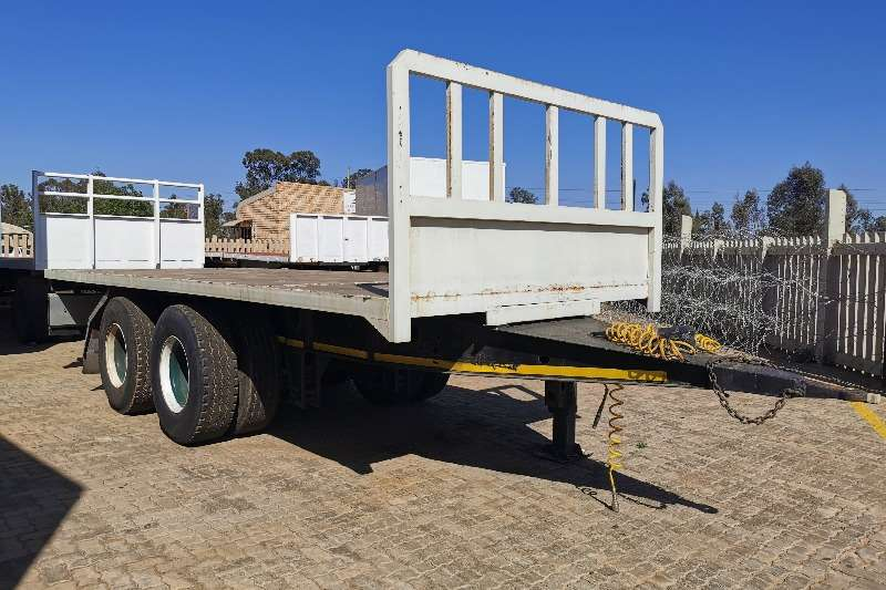 Custom Trailers Tri-Axle VARIOUS TRI-AXLE TO CHOOSE FROM