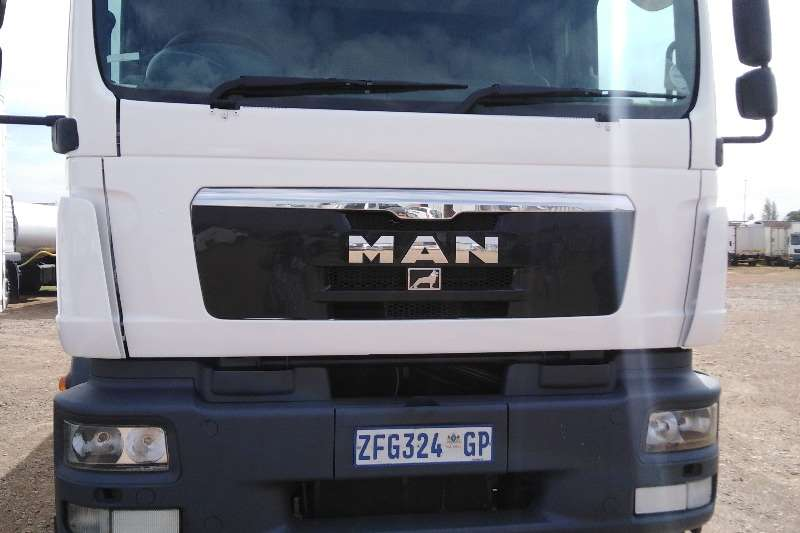 Custom Water bowser USED MAN TGM25 280 Water tanker available on sale 2010