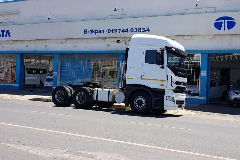 Daewoo Truck tractors Double axle Daewoo 6x4 Cummins ISX 500HP 2018