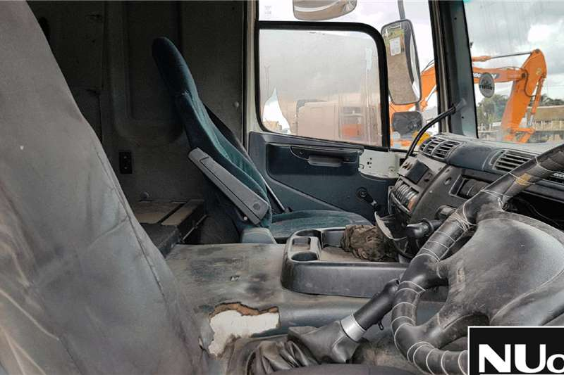 DAF DAF CF85 430 6X4 HORSE Truck