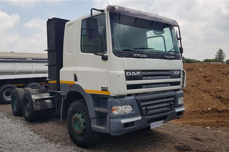 DAF Truck-Tractor Double axle 11 x DAF CF85.430 6x4TT Auto & MAnual 2005