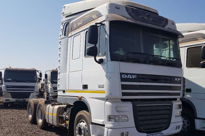 DAF Truck-Tractor Double axle 5 x 2015 DAF XF105.460 2015