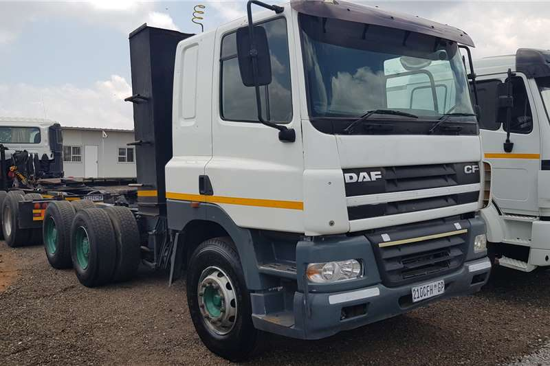 DAF Truck-Tractor Double axle 5 x DAF CF85.430 6x4TT Auto 2007