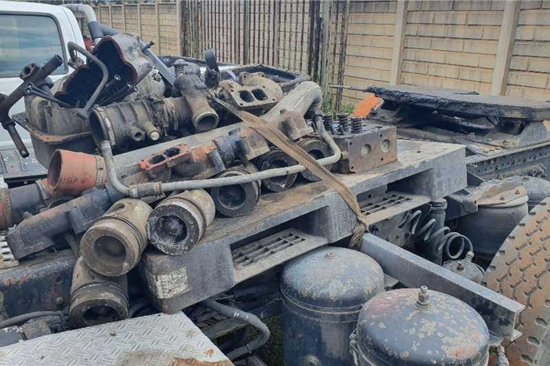 DAF Double axle 95 (Non Runner) Stripping for spares Truck tractors
