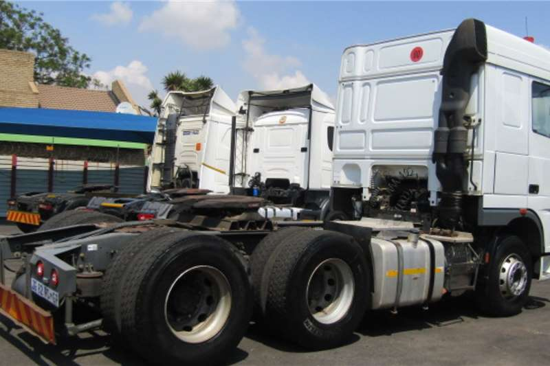 DAF Double axle DAF XF 105.460 Truck tractors