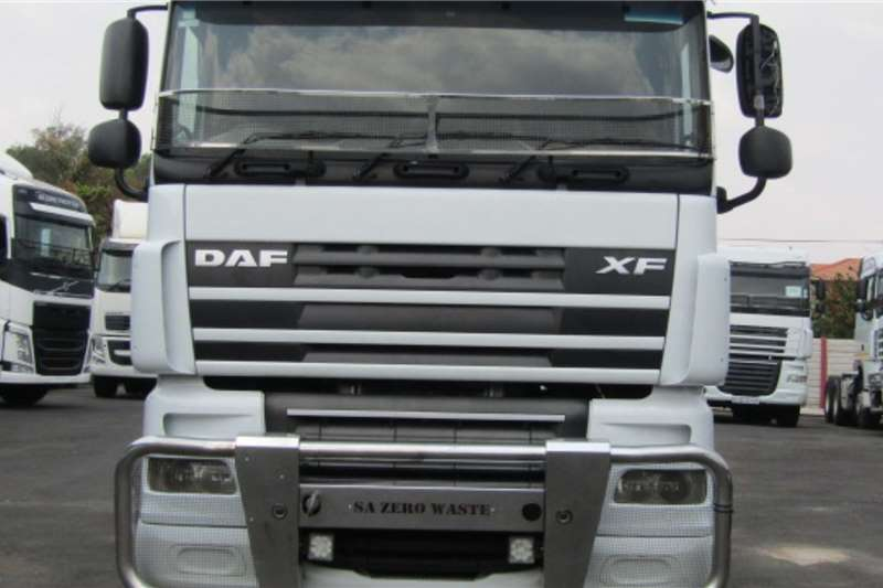DAF Double axle DAF XF 105. 460 , (6×4) Truck tractors