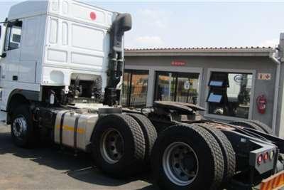 DAF Double axle DAF XF 105.460 (6X4) Truck tractors