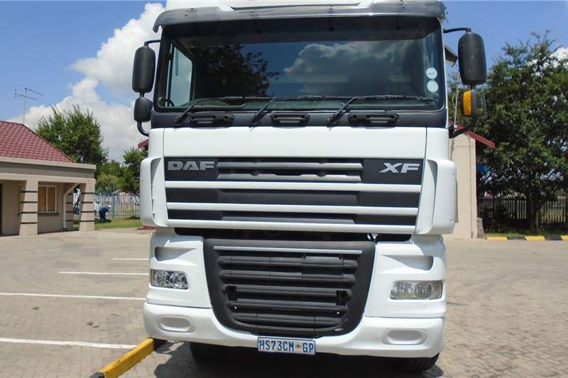 DAF Truck tractors Double axle DAF XF105.460 2015