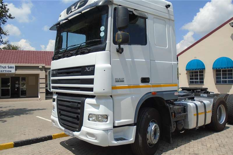 DAF Double axle DAF XF105.460 Truck tractors