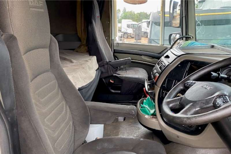 DAF Double axle XF 105.510 6x4 T/T Truck tractors