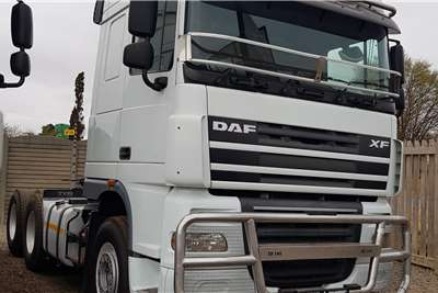 DAF Double axle XF105.460 FSH as new, new tires, free hydraulics Truck tractors