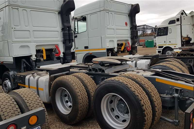 DAF Double axle XF105.460 FSH super clean, free hydraulics Truck tractors