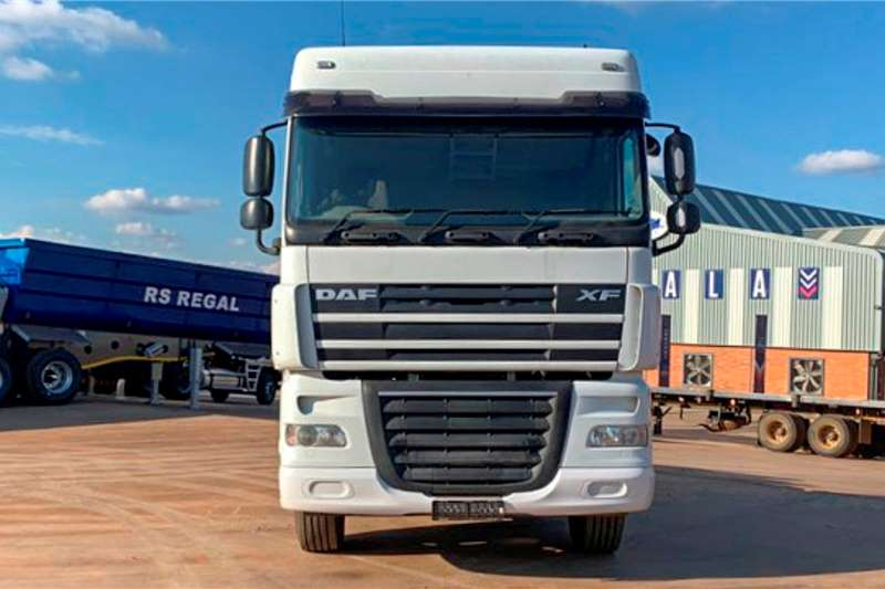 DAF Double axle XF105   Excellent Condition Truck tractors