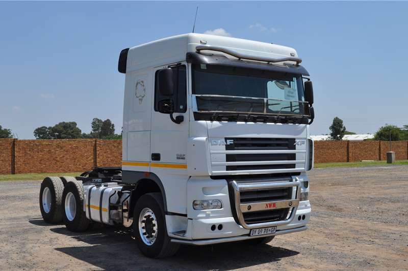 DAF Truck tractors PRE OWNED XF105.460FTT SR1360 SPACE CAB 2015